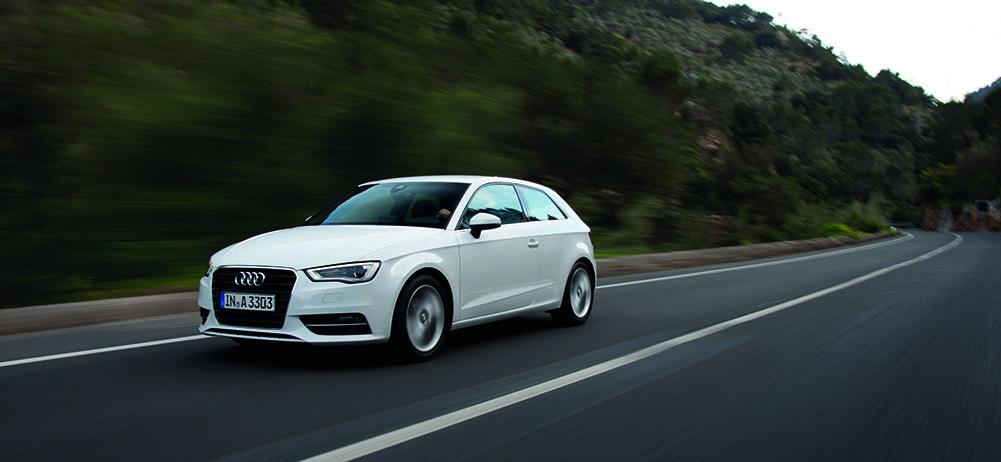 Audi A3 2.0 TDI quattro mit S line Exterieur-Paket /Fahraufnahme