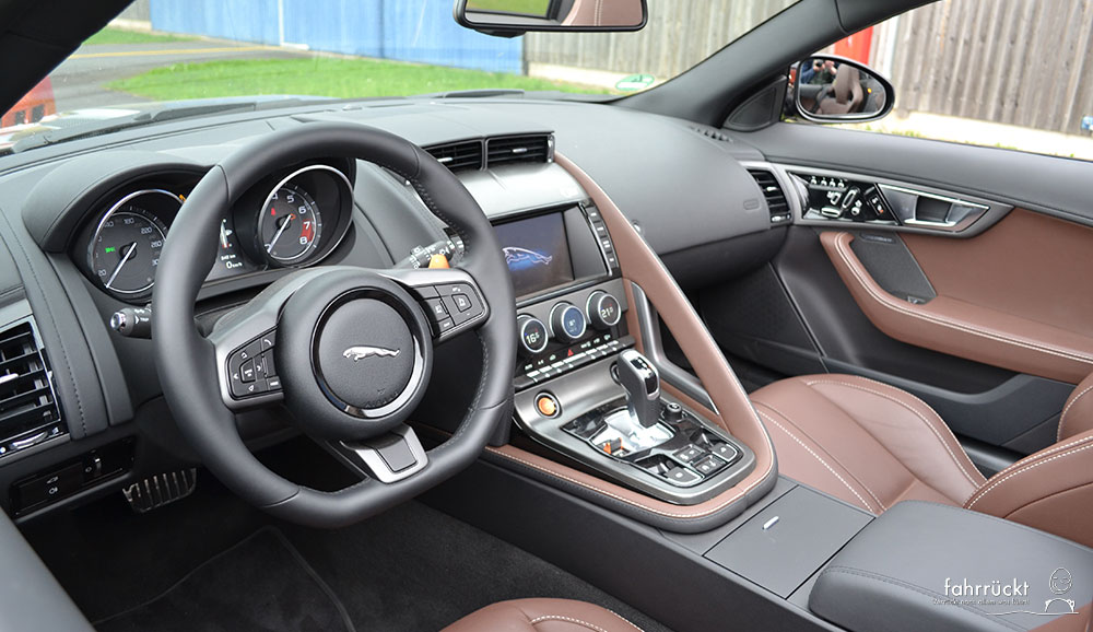 Jaguar F-Type Innenraum Cockpit Interieur