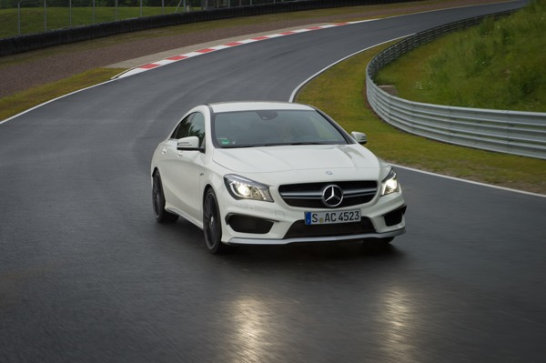 Mercedes Benz CLA 45 AMG am Bilster Berg