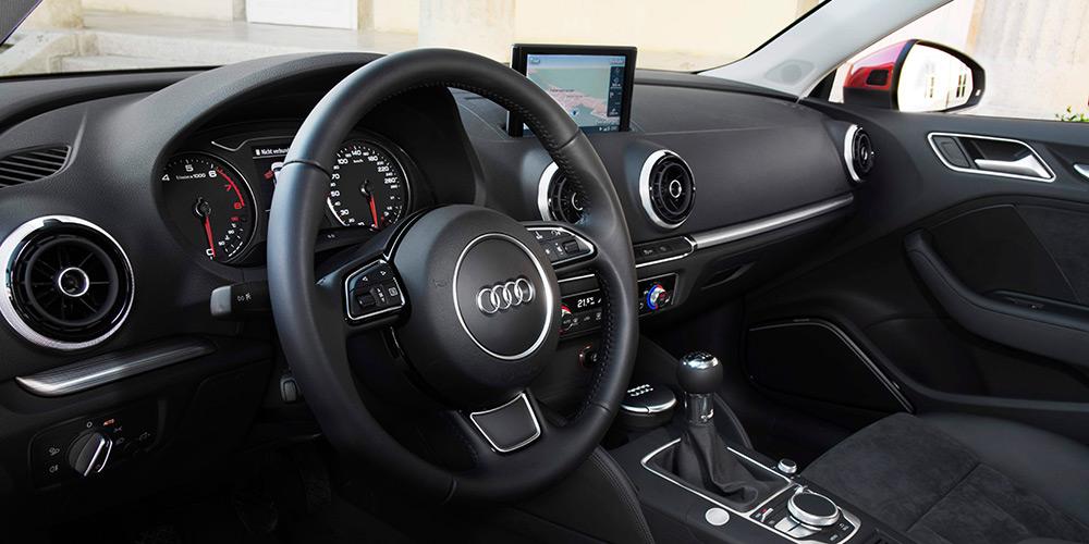 Audi-A3-Limousine-Interior-Cockpit-MMi