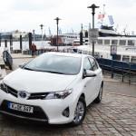 Frisch vor der Haustür: Der Toyota Auris Hybrid