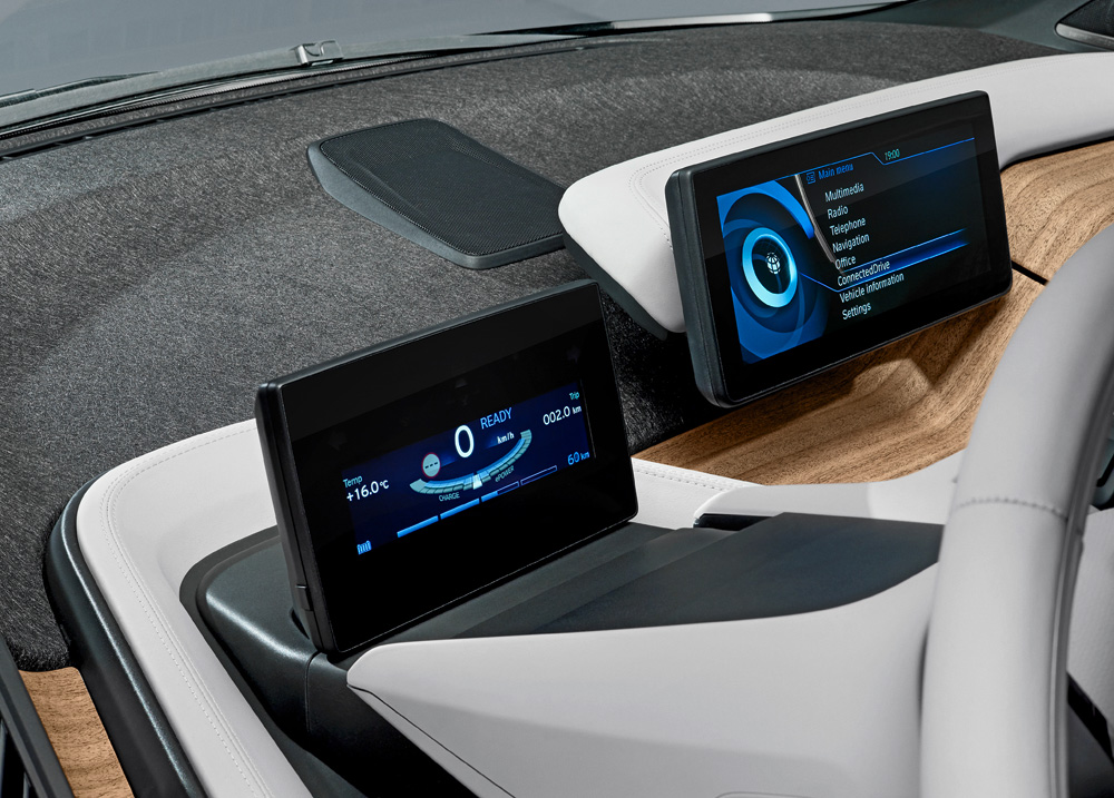 BMW-i3-Armaturenbrett-Monitore