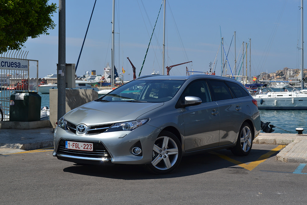 Toyota Auris Touring Sports Hafen Front