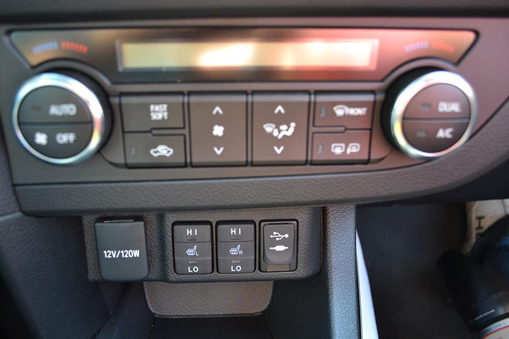 Toyota Auris Touring Sports Schalter Klimaanlage Sitzheizung