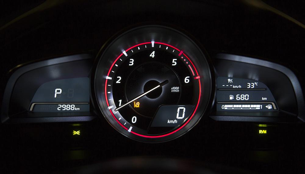 Mazda3-Tacho