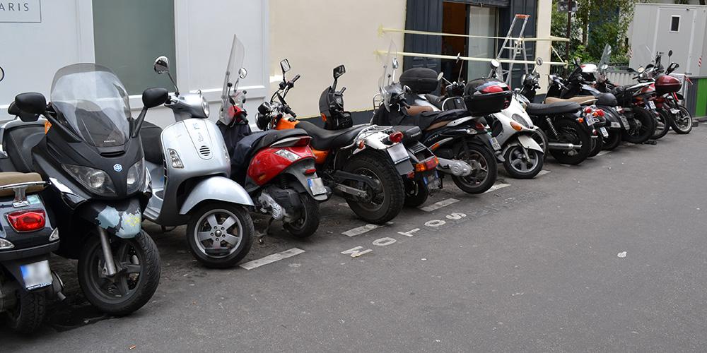 Paris13-Motorroller-en-masse